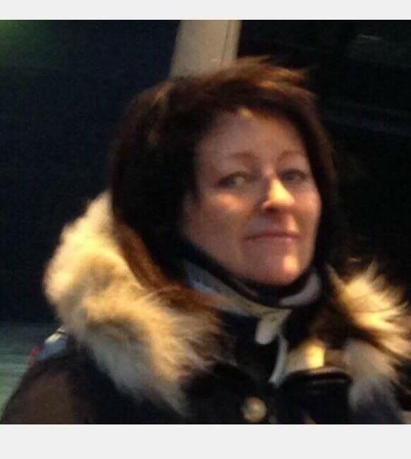 Blir trakassert i Norge- reiser til Spania for nakkeoperasjon